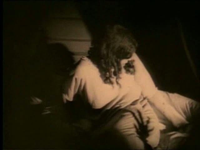 - L'ombra della mano di Orlok sul corpo di Greta Schröder, 1922 -